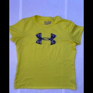 NIKE yellow short sleeve
